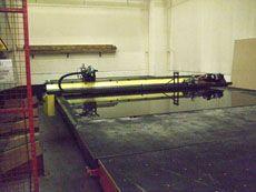 CNC-Schneidanlage NC-3B im Arbeitseinsatz in Berlin bei der Faba Autoglas.