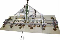 Das Sonder-Vakuumhebegerät 7231-CS ist schon etwas Besonderes - damit lassen sich über 2000 kg Glas schwenken