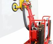 So einfach lassen sich 600 kg bewegen, dank der verwendeten Hydraulik, ist dies kein Problem!