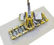 Dieses 4-Kreis-Gerät kann bis zu 1200 kg bewegen. Die Bewegungen erfolgen über motorische Antriebe.