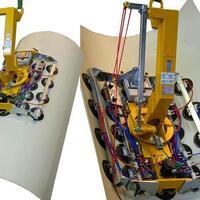 Batteriebetriebener Vakuumlifter Kombi 7411-DSG7 zum Transport von gebogenen Glasscheiben auf der Baustelle