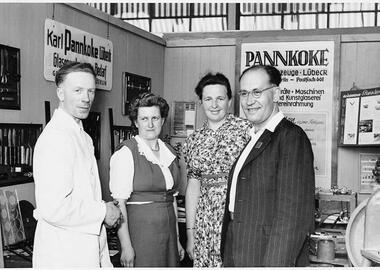 Karl Pannkoke in seinem Element auf dem Messe-Stand