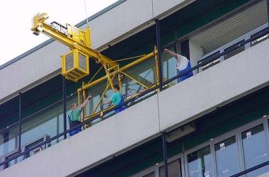 New Operating Conditions for Glazing